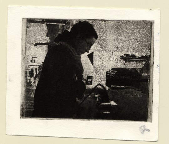 The final printed image. Note the hatch marks next to the back of the figure and below the shelf on the right.