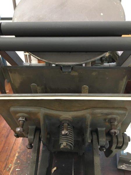Adjusting pressure via bolts
